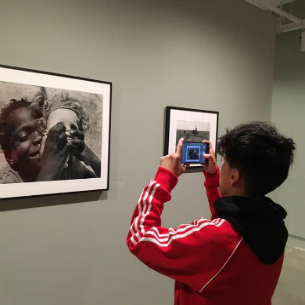 PHS Students Head to NYC to Visit the International Center of Photography